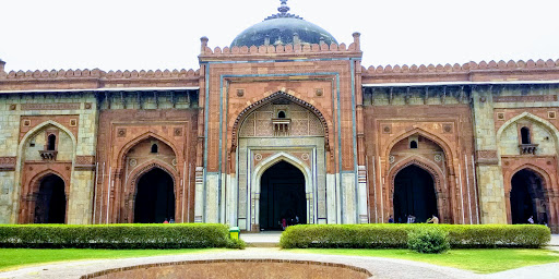Old looking fort in Delhi called Purana quila