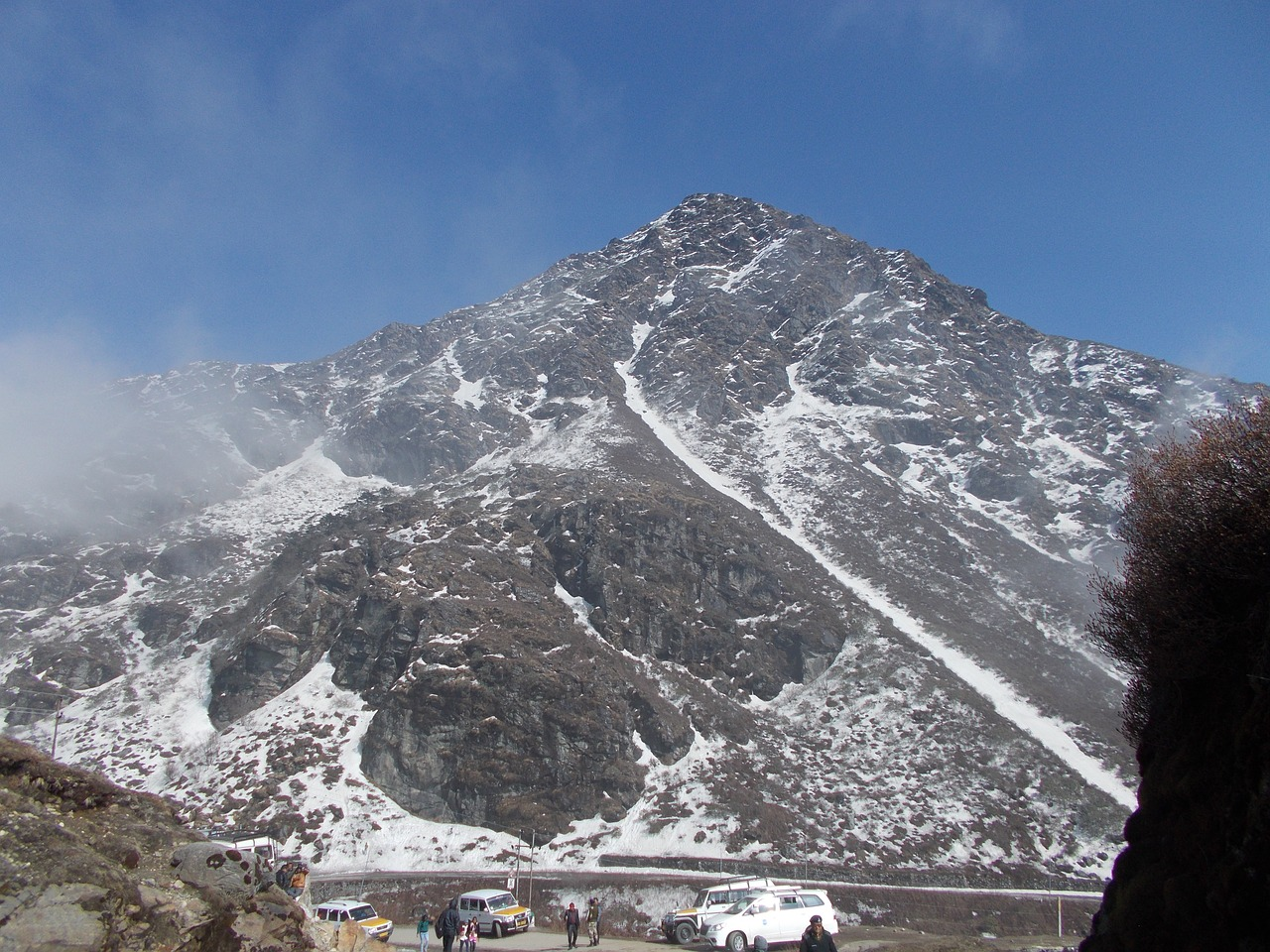 White snowy mountain in Gangtok